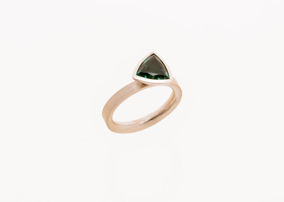 Ring 750er Weißgold grüner Turmalin