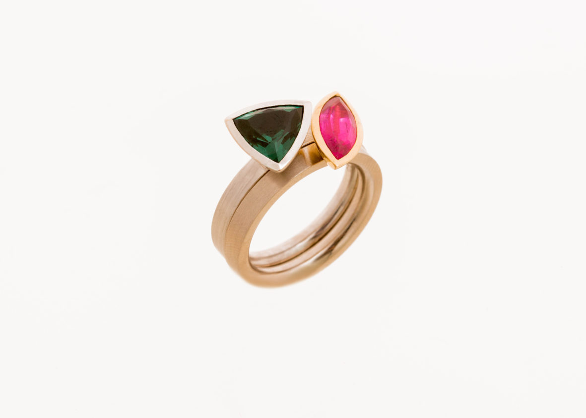 Ring 750er Weißgold mit zwei Edelsteinen